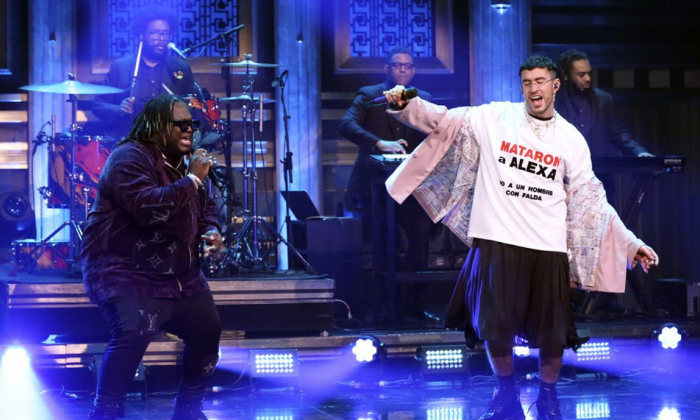 Bad Bunny y Sech en el 'Tonight Show' con Jimmy Fallon